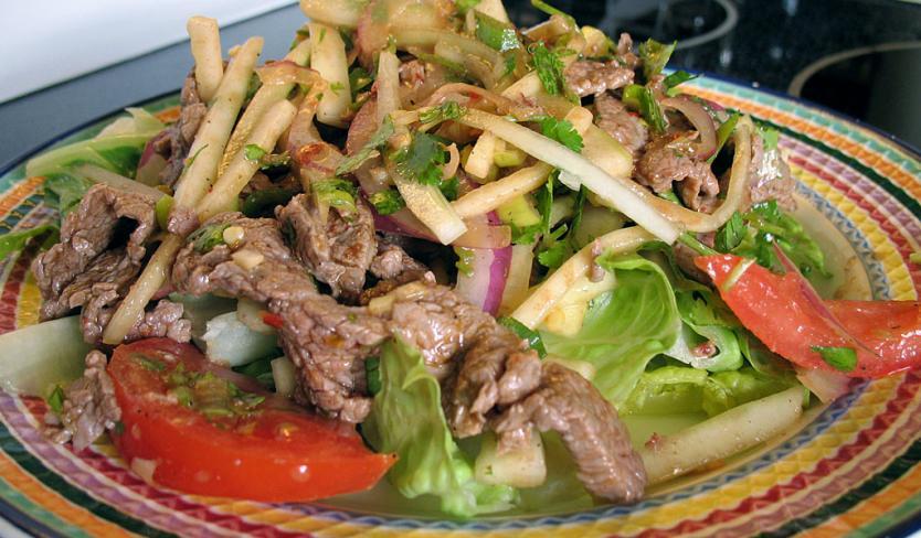 Yam Nua (Spicy Beef Salad)